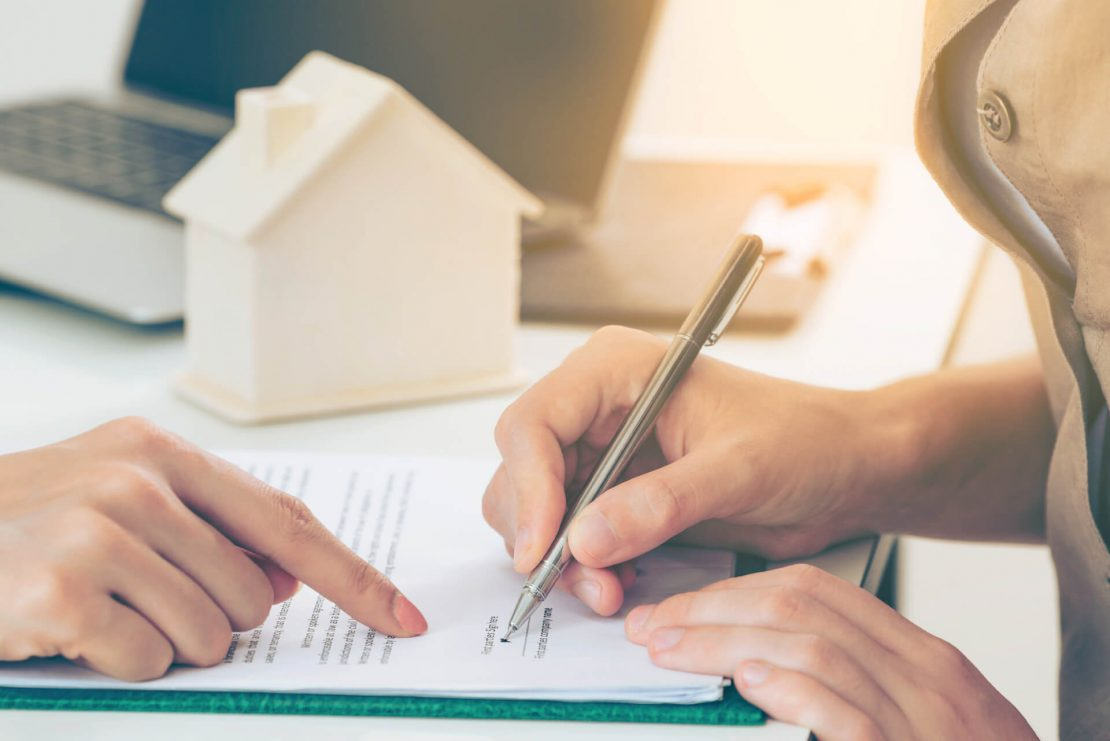 sign a document, legal, real estate